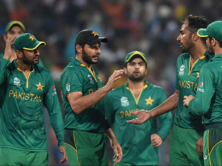 Pakistan cricket team arrives to hostile reception in Lahore and Karachi